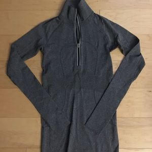 Lululemon 3/4 pull over